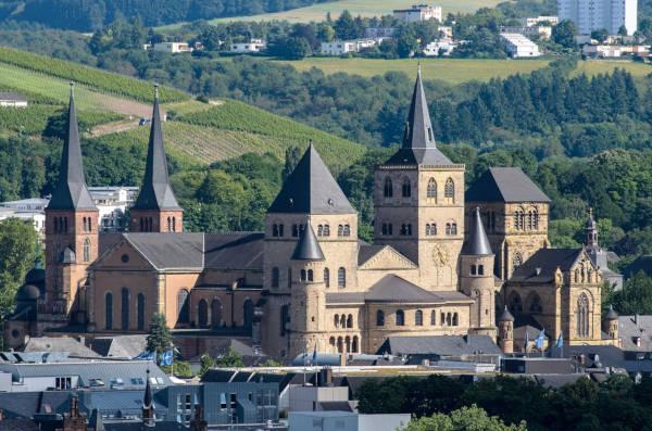 Kirche und Stadt Trier